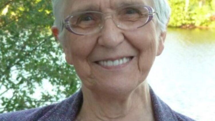 Mme Antoinette Perron Moisan